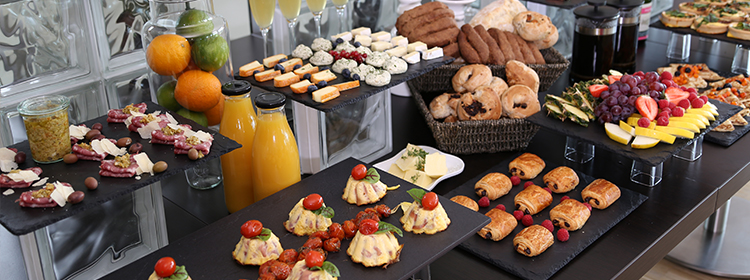 Brunch buffet randers – Møbler til terrasse